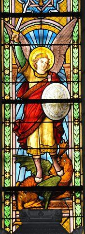 Vitrail de saint Michel