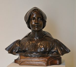 Sculpture «Femme de Hollande dite Madame Franz Hals» par Jean Carries