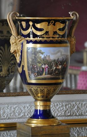 Vase de Sèvres 'Cordelier'