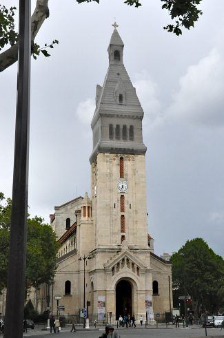 L'église Saint–Pierre–de–Montrouge et son imposant clocher