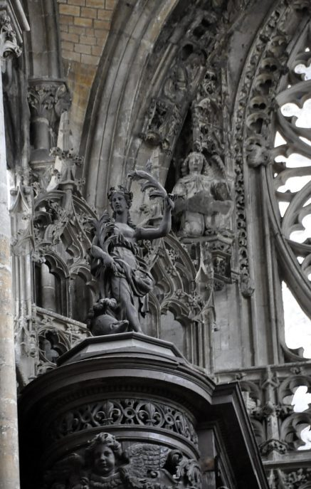 Le buffet d'orgue de Joseph Pilon et les sculptures de la façade occidentale