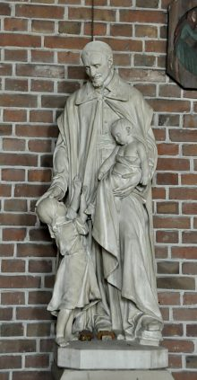 Statue de saint Vincent de Paul